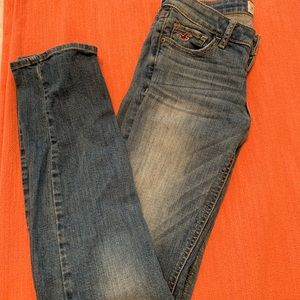 Hollister light/mid wash straight jeans